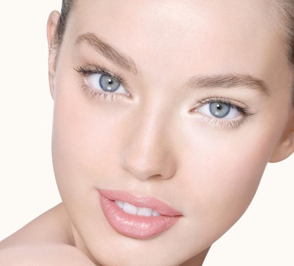 expert-eyes_oil-free-eye-makeup-remover_r_model-shot_141713