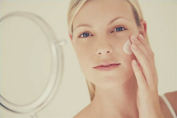 article-new-thumbnail-ehow-images-a02-19-cc-treat-hyperpigmentation-skin-lightening-gels-800x800