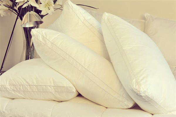 hotel-pillow-large1