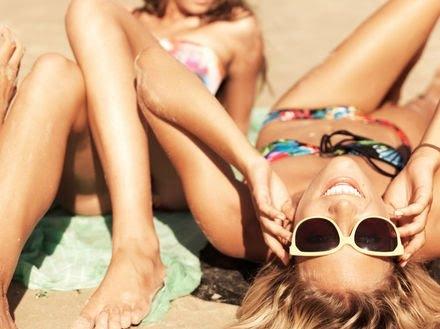 blond-friends-girls-summer-sunglasses-Favim.com-113958