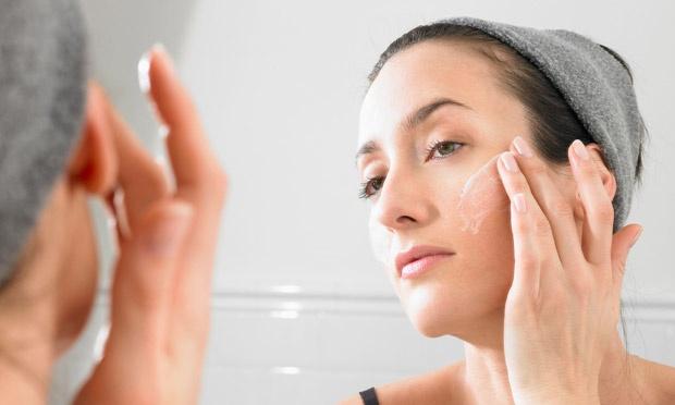 Face-cream---a-dermatitis-011
