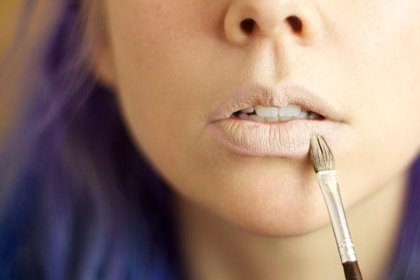 makeup-tutuorial-ombre-glitter-lip-gloss7
