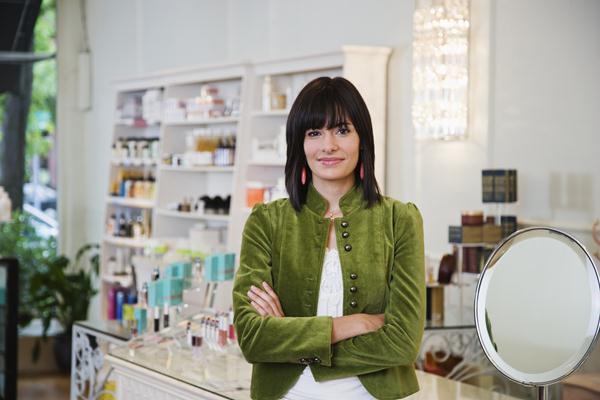 makeup-counter-clerk