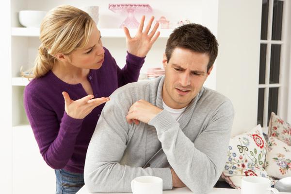 woman-nagging-boyfriend-in-kitchen