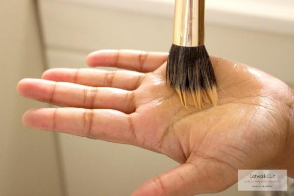 Washing-Makeup-Brush