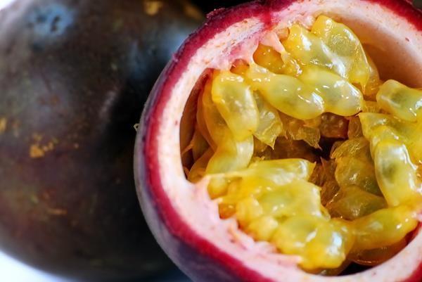 Passion-fruit1
