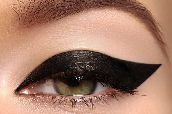 black-eyeliner