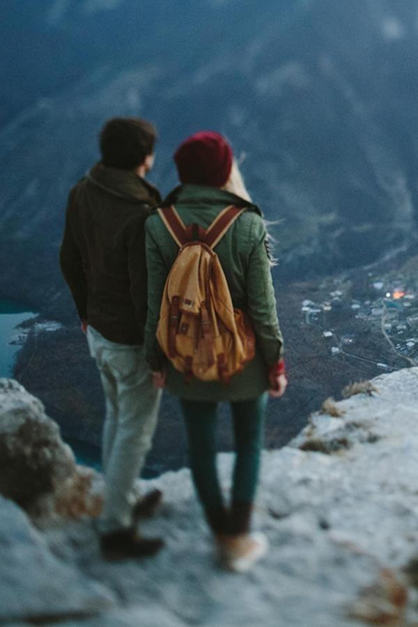 54879-Mountain-Climbing-Couple