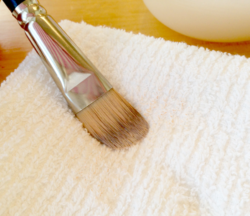 cleaning-makeup-brushes-7