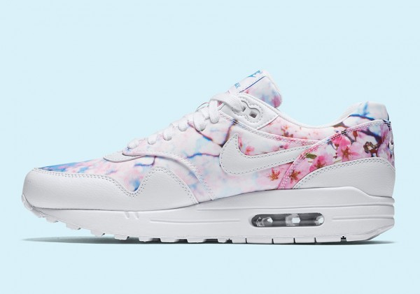 cherry-blossom-nike-air-max-1-womens-3