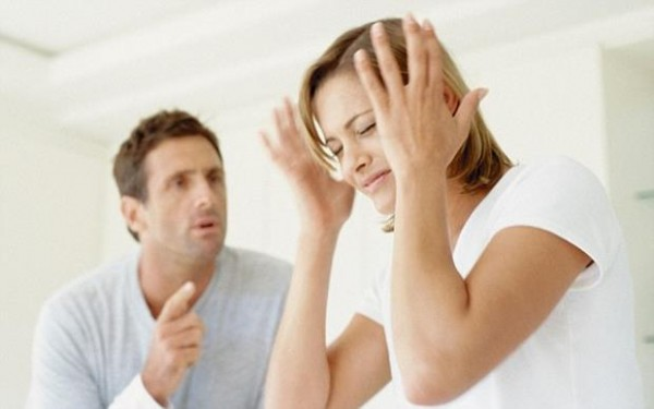 woman-and-man-arguing