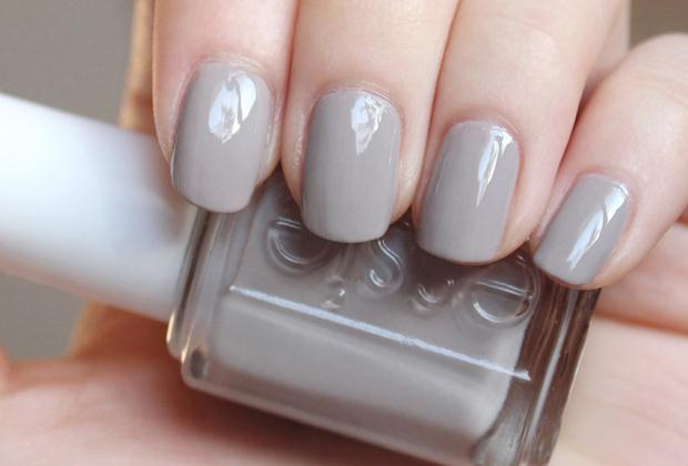 Essie-Master-Plan-review-swatches