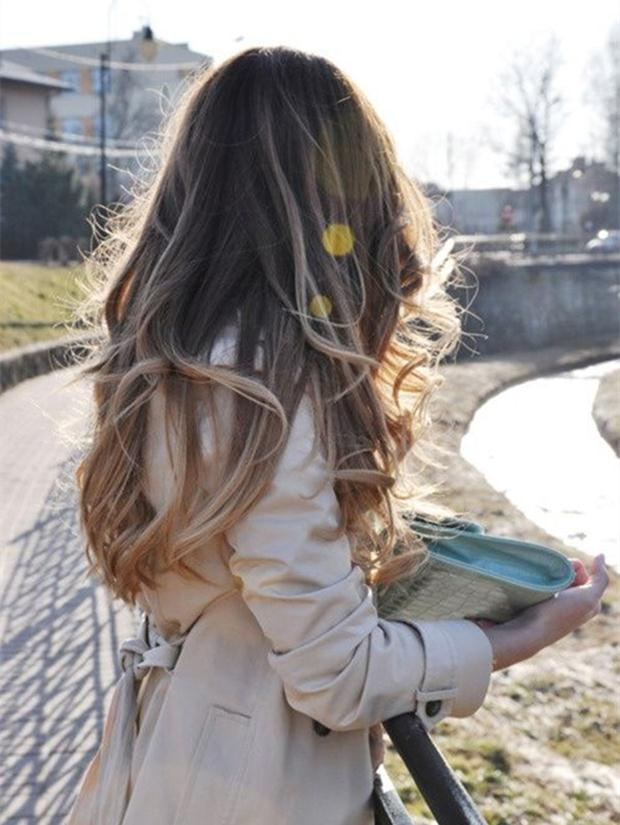 Dark-brown-to-blonde-ombre-balayage-hairstyle-hair-trend-of-2015-