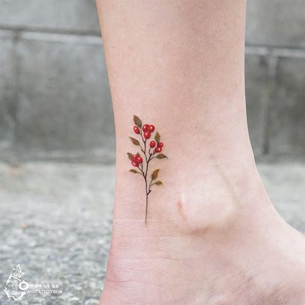 tiny-foot-tattoo-ideas-16-575015937e9af__605 (Copy)