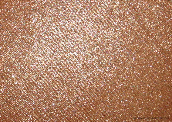 Urban-Decay-Naked-Illuminated-Shimmering-Powder-Lit-Review-02