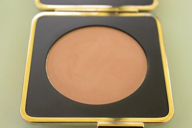 victoria-beckham-estee-lauder-java-sun-bronzer-review-2-650x434