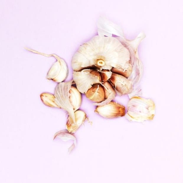 gallery-1474398832-garlic-1474907174