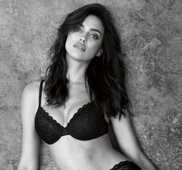 Irina-Shayk-Intimissimi-Perfect-Bra-2016-Book02